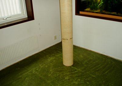 Förarbete/slipa linoleumgolv före läggning