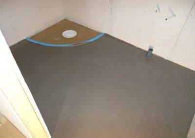 Förarbete/flytspackla golv