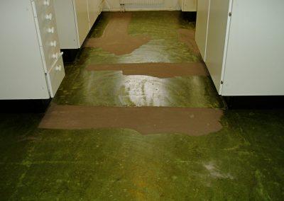 Förarbete/skarvspackla golv