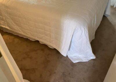 Läggning av textilmatta i sovrum  (heltäckningsmatta)